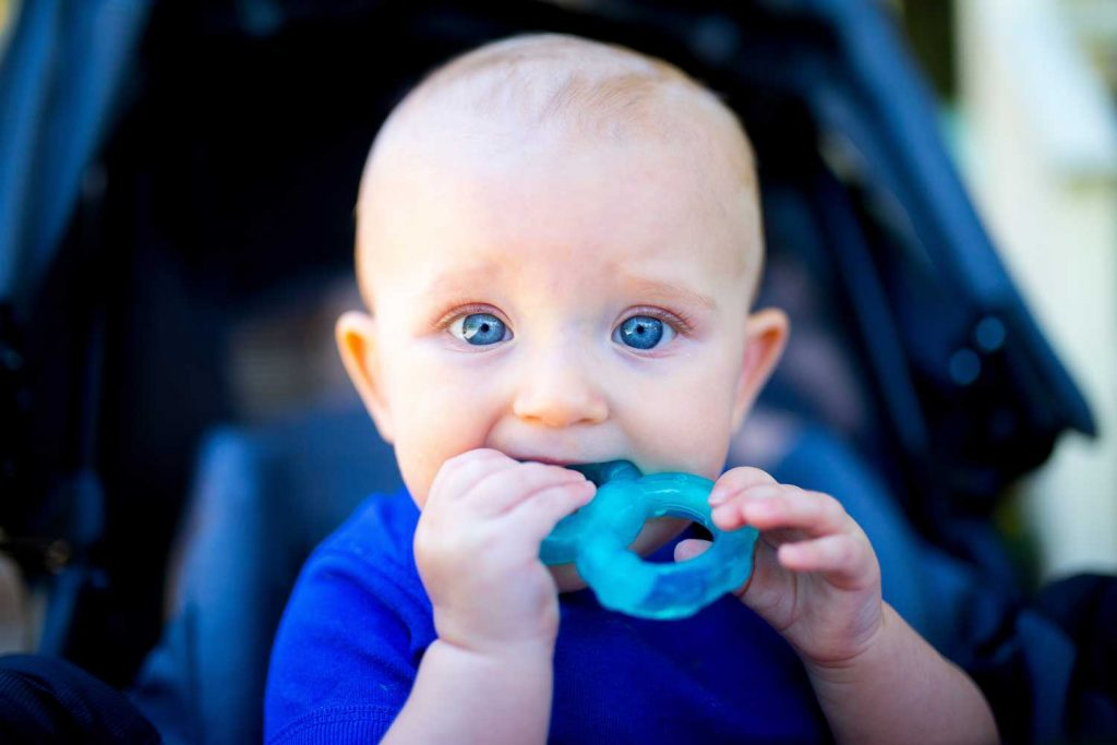 Signs That Tell Your Baby Is Teething